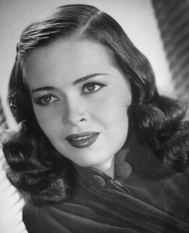 Joan McCRACKEN (31 Décembre 1917 / 1er Novembre 1961)