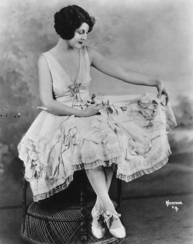 Dorothy DWAN aussi connue sous les pseudos de Dorothy BOGGS, Dorothy BUCKELS ou encore Molly MILLS (26 Avril 1906 / 17 Mars 1981)