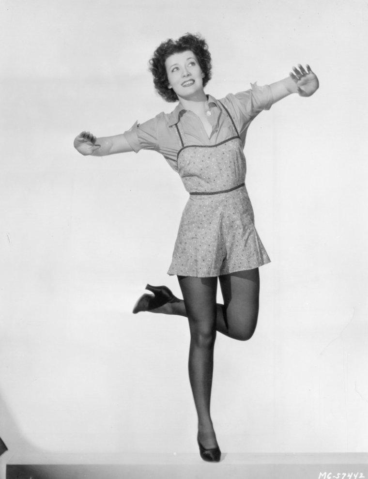Dorothy McNULTY (1908 / 2003)