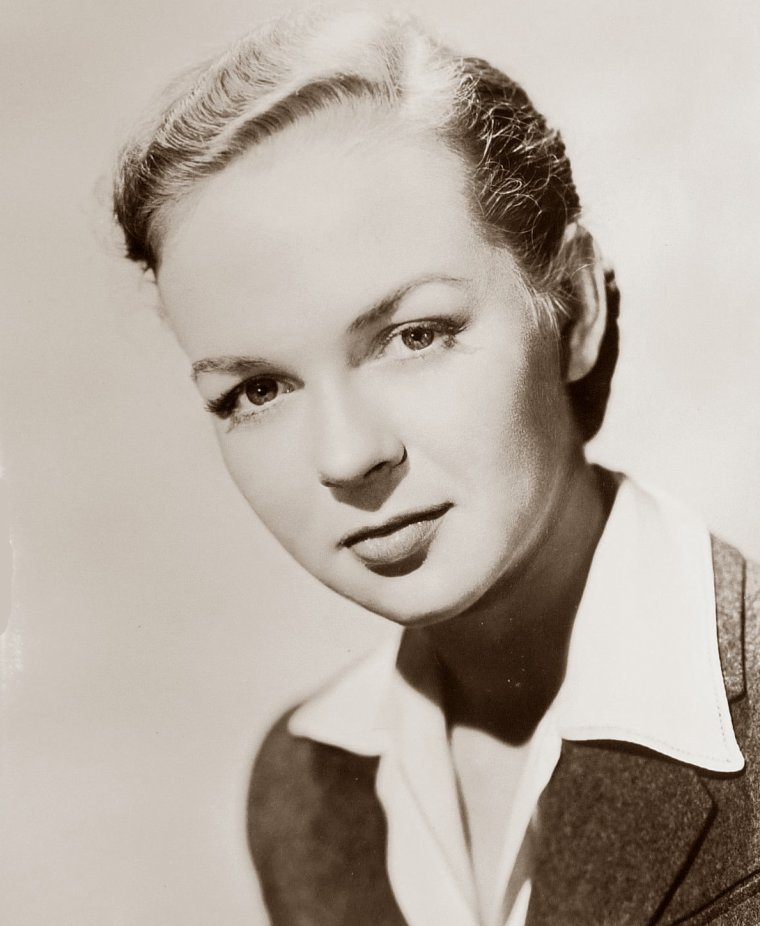 Nanette PARKS (4 Avril 1922) (photo N.B. 1945)