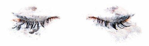 """""""Il est magnifiquement beau, mais tellement triste. Tout comme ses yeux. """""""
