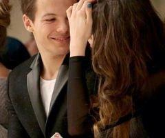 Le regard de Louis en regardant Eleanor...