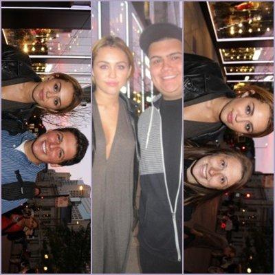 Retrouvez ci-dessous Miley trèèèèèès belle dans ses deux sorties + des photos de fan.