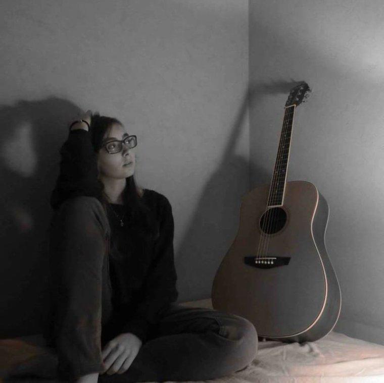 Parfois la musique n'arrive pas a me calmer, seule une personne le peut ...