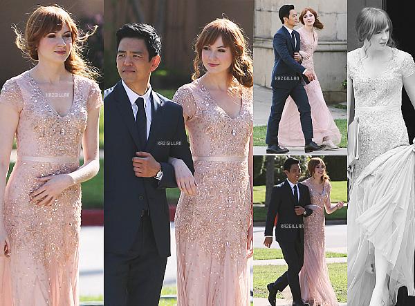"""21/03/14 : Kazza a été repérée sur le tournage du pilot de """"#Selfie"""" en compagnie de sa co-star John Cho. Sa tenue est tout simplementmagnifique. C'est bien évidemment pour les besoins du tournage que Karen a une perruque."""
