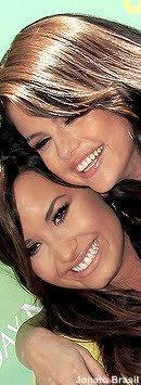 Demi Lovato & Selena Gomez <3