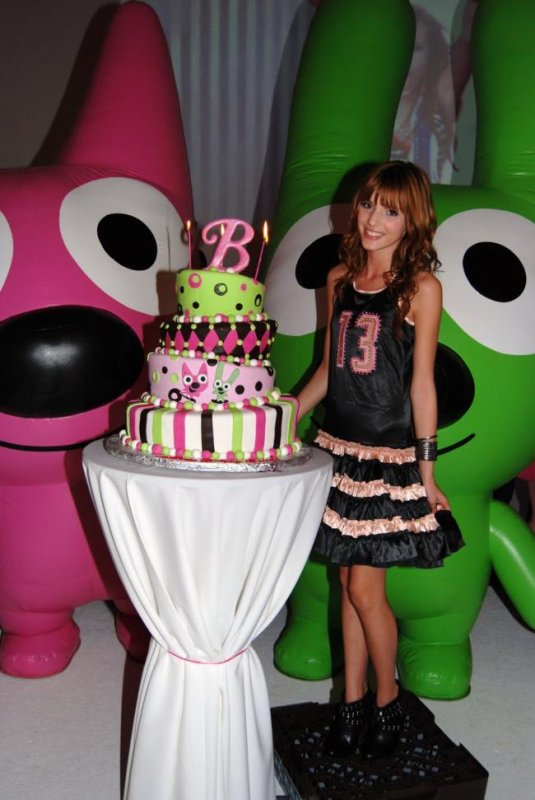 Bella Thorne : Happy Birthday !