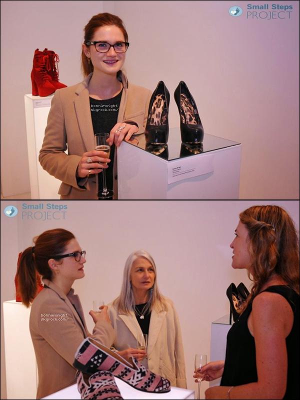"""- Cette année encore, Bonnie participe au projet de """"Small Steps Project"""". Elle met en vente cette fois-ci une paire noire d'escarpin qu'elle a porté lors des Empires Awards en 2012, pour une bonne cause. -"""