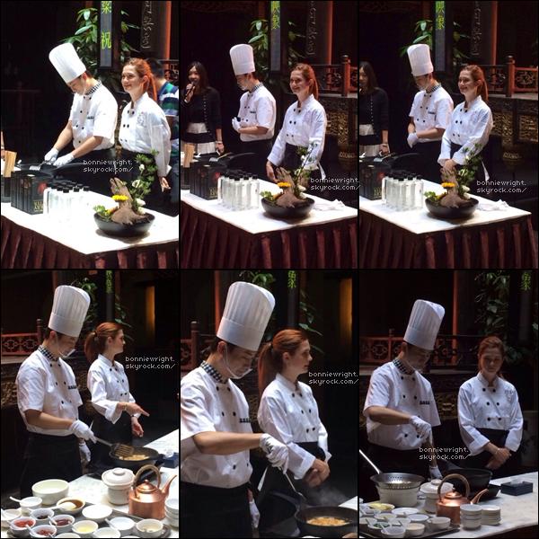 - 26 Septembre 2014 : Bonnie a ensuite pris un cours de cuisine, toujours à Chengdu en Chine -