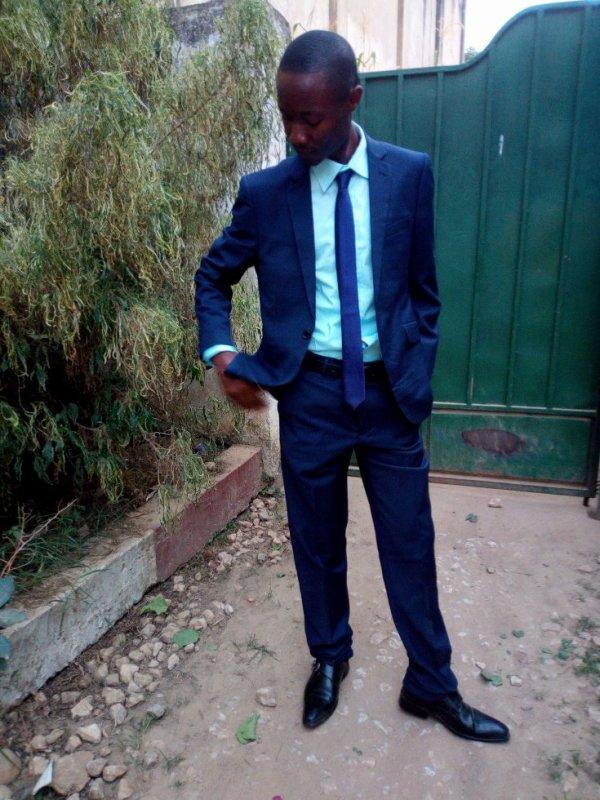 jules-mbongo  fête ses 31 ans demain, pense à lui offrir un cadeau.Aujourd'hui à 23:00