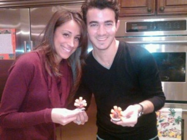 kevin et Danielle thanksgiving+le chien de JOE+ashley son ptit déj+diner ash et joe