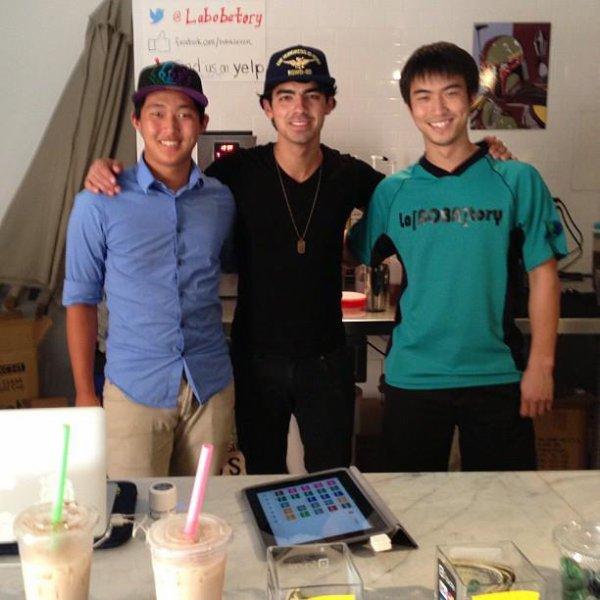 anniv.ryan+joe.tweet+kaniel.emiss+LT.JB+JB.L.A