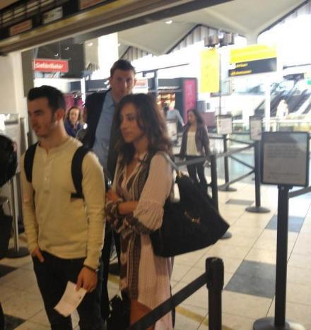 tweet.Joe+joe.nick.fan+kaniel.aéroport+