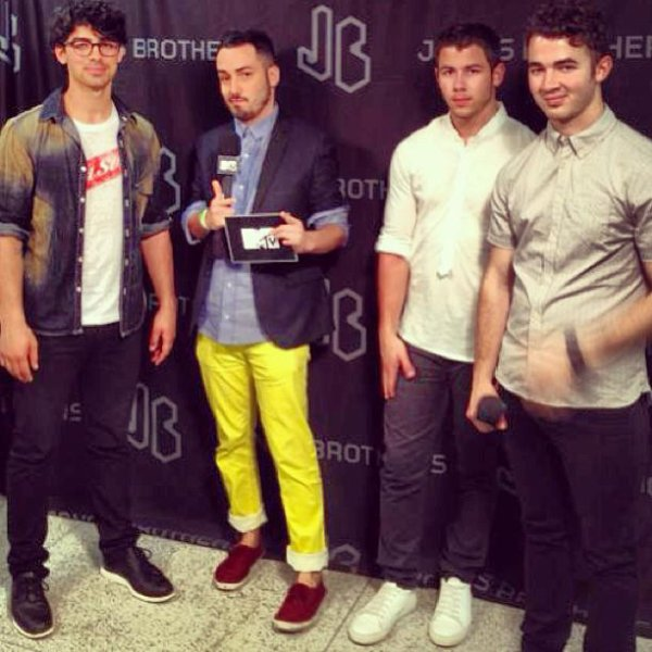 Jb.fan+joe.nick.tweet+jb.conc+jb.sound
