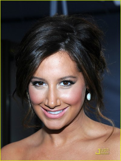 Ashley Tisdale : Simplement Magnifique