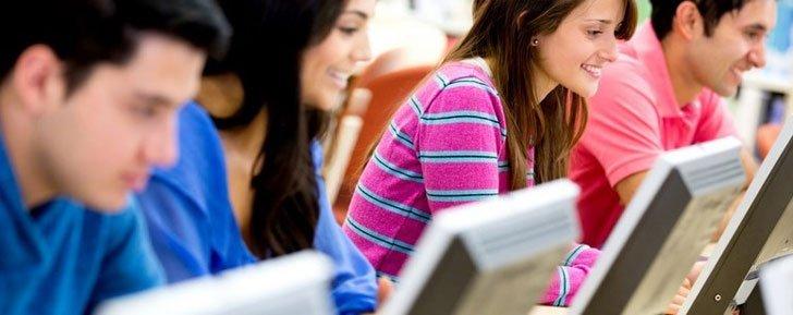 Facebook est devenu un moyen de révision en groupe pour les étudiants