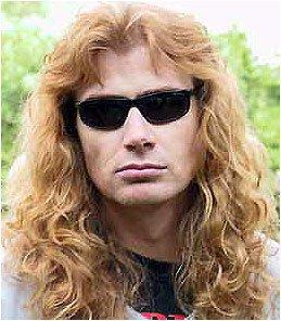 Les réactions de Dave Mustaine, Nikki Sixx et d'autres face à la mort de Amy Winehouse