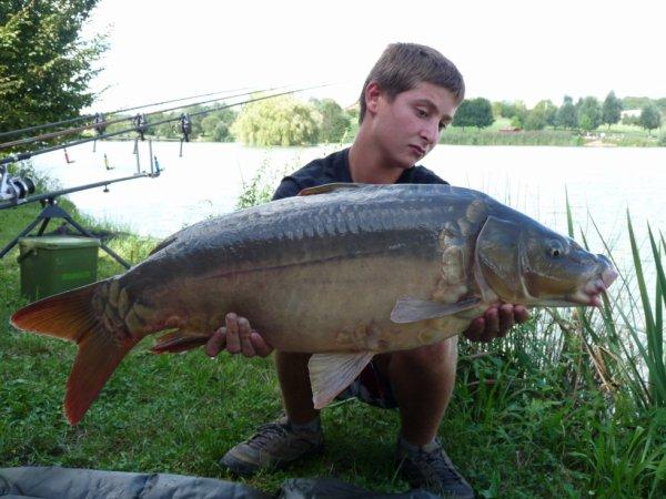 Une belle torpille de 10 kg prise par Alexis en lac dans les souches ;D