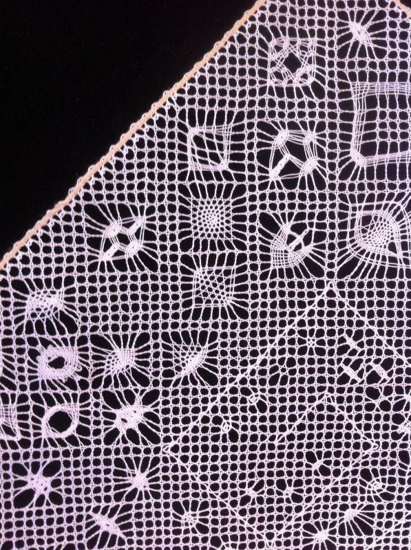 NOUVEAU COURS  : un labyrinthe d'araignées , une soixantaine à réaliser