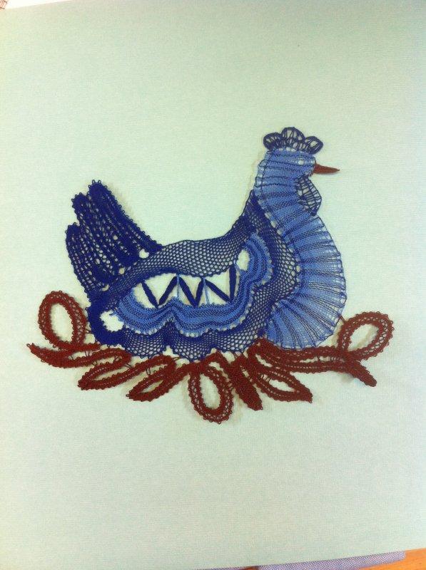 JOCELYNE P. jolie poule, d'accord elle est bleue mais pourquoi pas ?