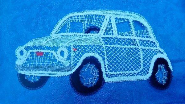 JOCELYNE R. en voiture ! cela vous dit une petite ballade en Fiat 500. Cadeau pour une fan.