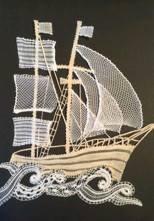 ARLETTE  deuxième édition de ce superbe navire, belles voiles !