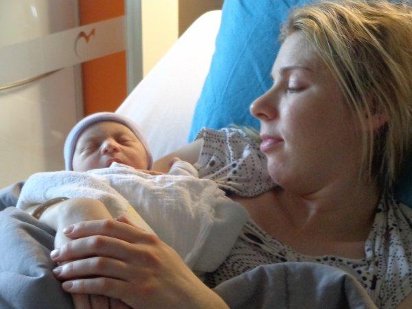 yesssssssssssssss     voila   je vous presente  mon petit   fis et ma fille   qui et né  ce matin a 9h