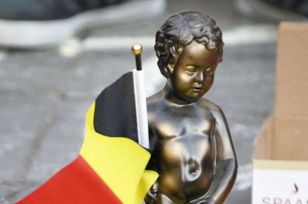 notre   petite belgique  et peut etre  petite   mes on et  toujour   ford malgret   tout le mal que on nous a fait  VIVE  NOTRE   BELGIQUE