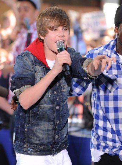 Quel genre de filles plaît à Justin Bieber