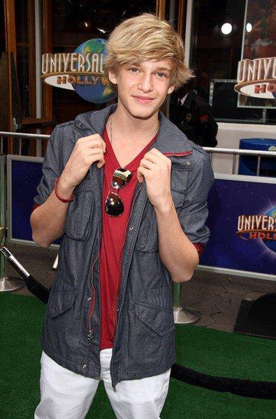 Cody Simpson est-il le nouveau Justin Bieber ?