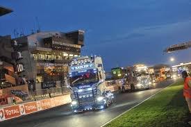 Manifique camion jadore avec des lumières c oh top