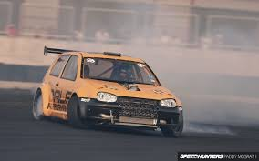 Golf r-32 en drift 1001 chevaux