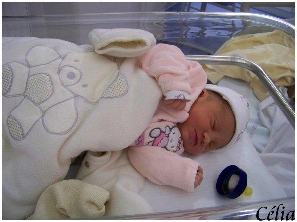 . . . . . .  « Célia ma fille. ♥ » . . . . . .