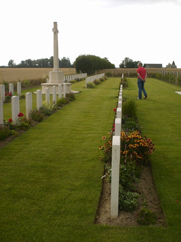 ☆ Cimetière Militaire De Secqueville-en-Bessin Le 01.08.2012 ☆