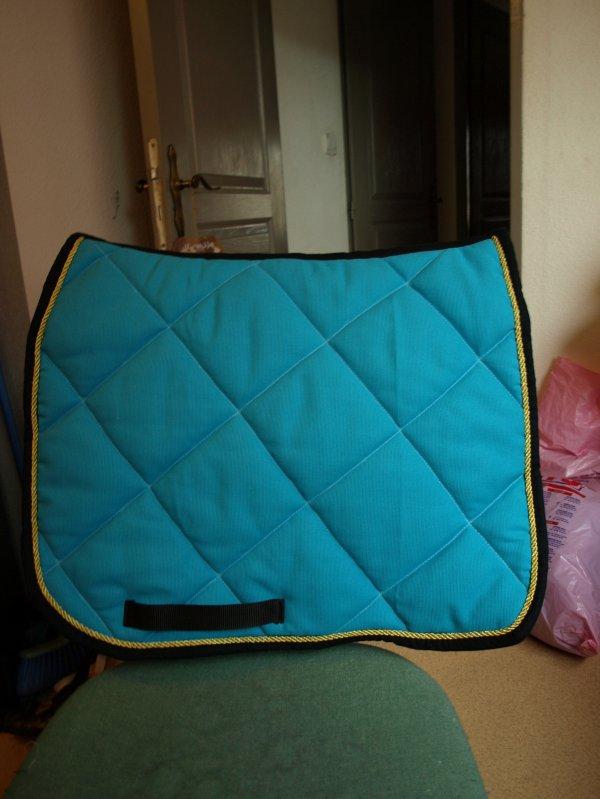 Tapis Dressage Turquoise Liser Noir Blog De Laboite Atapis