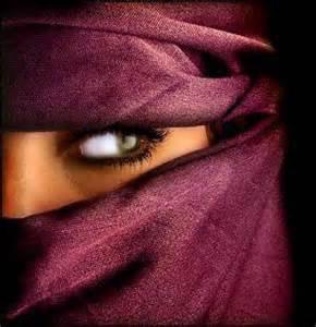 Pour la chicha, pas de chichis mais pour la mosquée tu réfléchis! C'est triste à dire mais ton c½ur a fléchit! Nourris-le de Versets, il en sera rafraîchi!