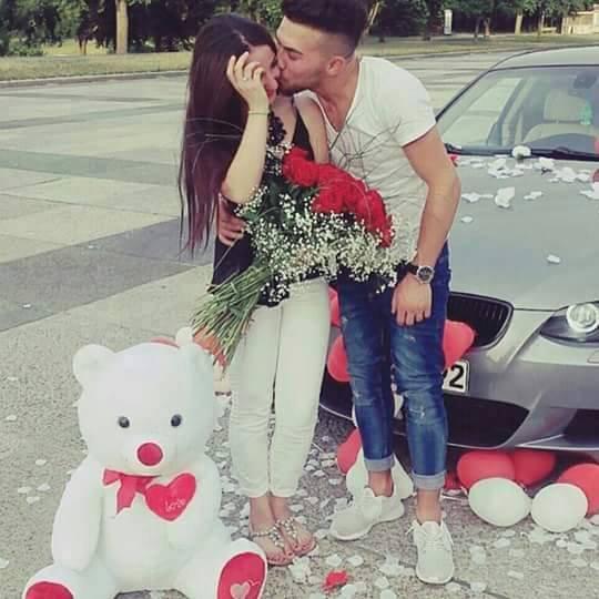 Beaucoup d'hommes pensent que les femmes veulent de l'argent, des voitures, des cadeaux. Mais une vraie femme veut l'effort de l'homme, son temps, sa passion, sa loyauté, son sourire et qu'il décide seul de faire d'elle une priorité dans sa vie. ❤