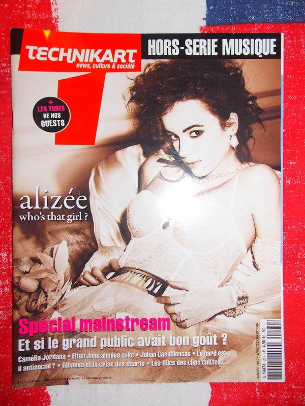 ✘ Magazine - Technikart