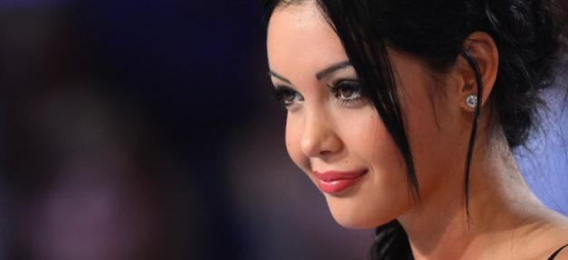"""Dans un communiqué, Nabilla annonce qu'elle se retirait """"momentanément de la scène médiatique"""""""