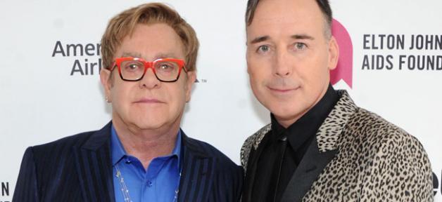 Elton John a épousé son compagnon hier dans sa propriété de Windsor près de Londres...