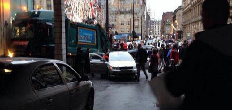 Un camion-poubelle a foncé sur des passants en plein centre de Glasgow: un bilan provisoire fait état de 6 morts...