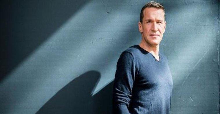 Benjamin Castaldi arrive sur D8 le 22 janvier prochain: Il va reprendre la Nouvelle Star en direct...