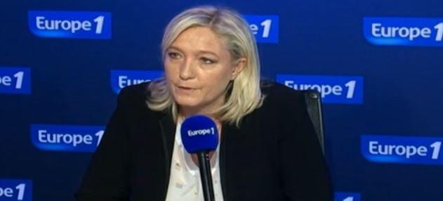 """Jean-Pierre Elkabbach ce matin sur Europe 1 à Marine Le Pen: """"Vous n'avez pas honte ?""""... Regardez !"""