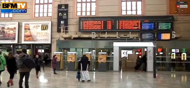 Les magasins situés dans les 12 plus grandes gares françaises pourront ouvrir tous les dimanches... Regardez !