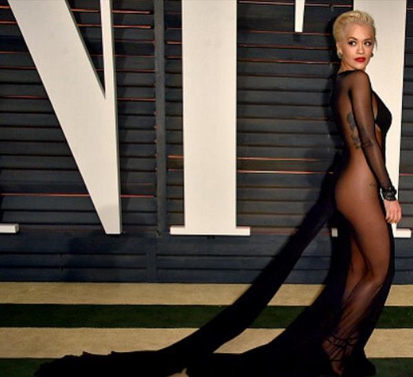 La robe trés sexy de la chanteuse britannique Rita Ora lors de l'after des Oscars 2015 cette nuit... Regardez !