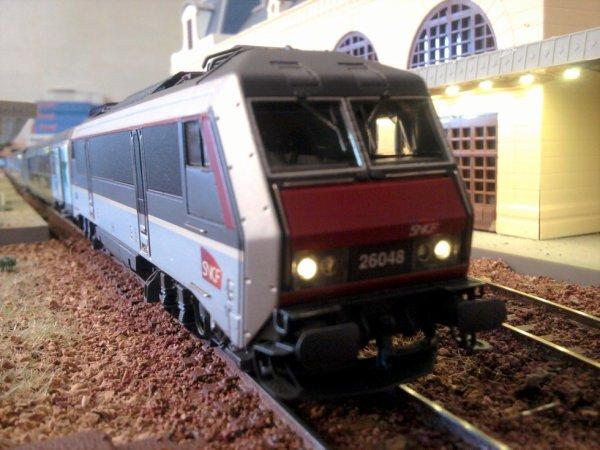 BB 26048 en gare