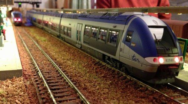 AGC B82588 en gare