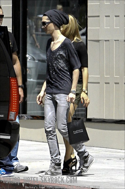 Bill chez Barneys New York, Beverly Hills (26.08.10)