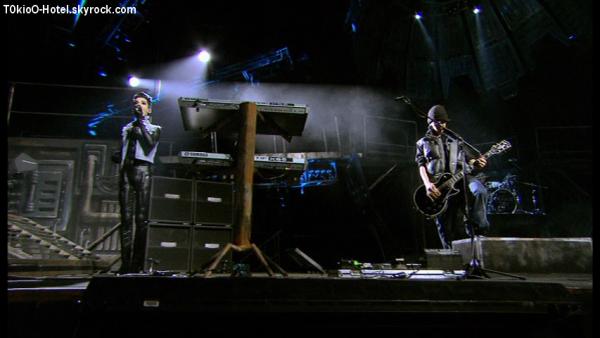 Screen Humanoid City Live: Monsoon