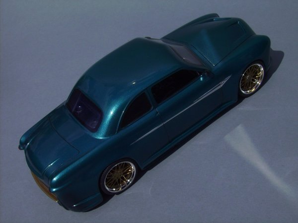 FORD 1949 COUPE - AMT - PIECE ASSEMBLEE 6